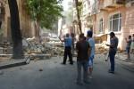 Упал фасад двухэтажного здания